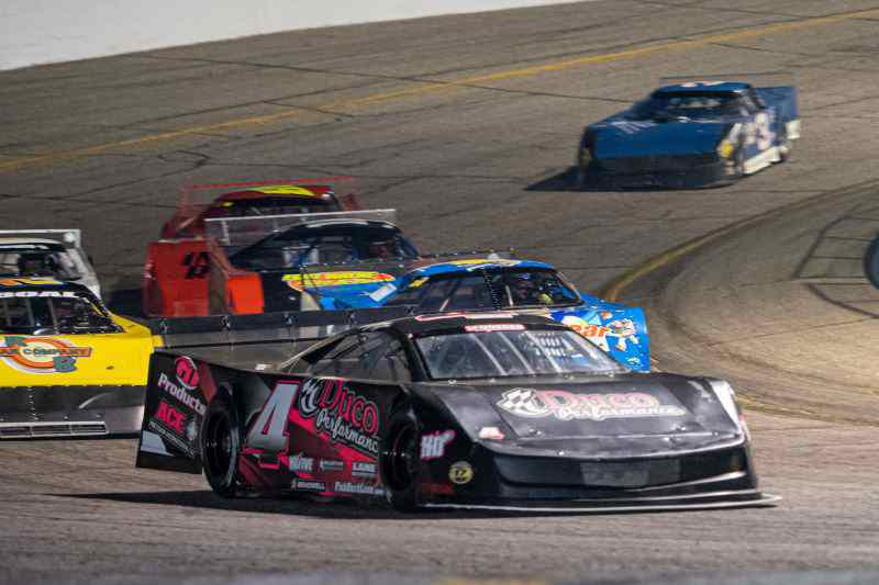 Weekly Racing - All Five Weekly Classes Compete - Autograph & Backpack Night