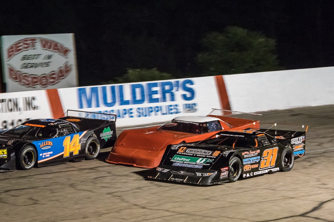 SEASON CHAMPIONSHIP NIGHT - ALL CLASSES - 100 LAP FINALE FOR THE OUTLAW SUPER LATE MODELS